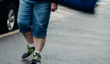Best walking sneakers for flat feet: to make you feel comfortable and stylish